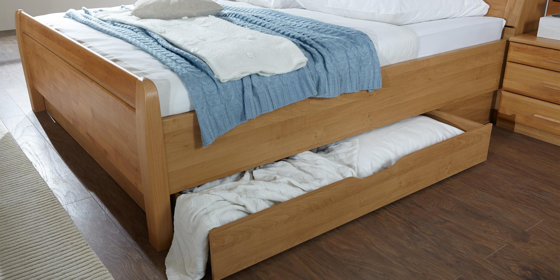 schlafzimmer mit bettkasten lilashouse. Black Bedroom Furniture Sets. Home Design Ideas