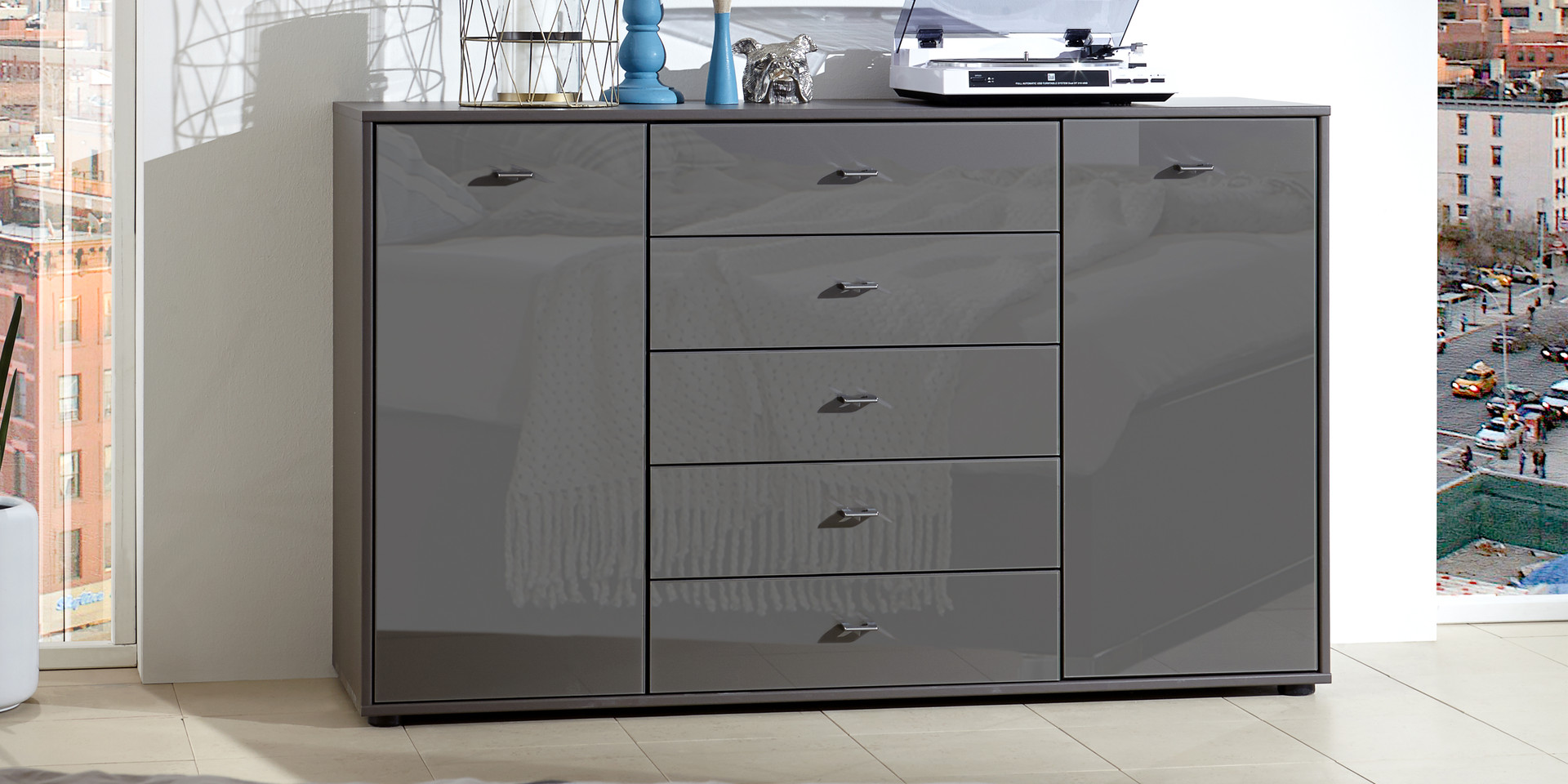 unsere kompakte kommode tokio m belhersteller wiemann. Black Bedroom Furniture Sets. Home Design Ideas